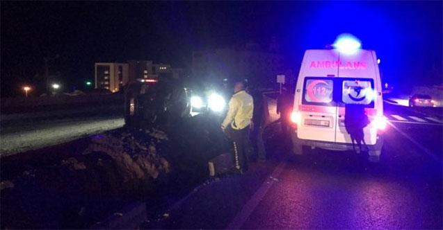 Domuza çarpan minibüs devrildi, 3 kişi öldü