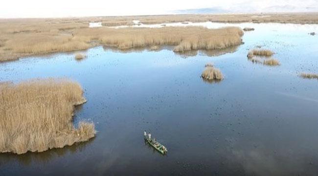 Eber Gölü'nde kaçak avcılar drone ile tespit edildi