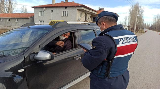 Şuhut'ta jandarma trafik denetimi yaptı