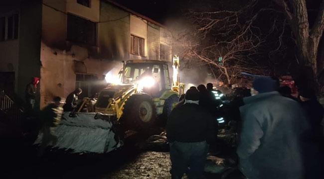 Şuhut'ta odunluk yangını çıktı