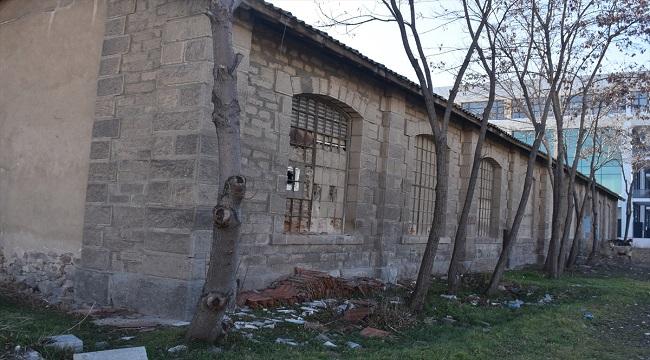 Tarihi binada restorasyon başlıyor