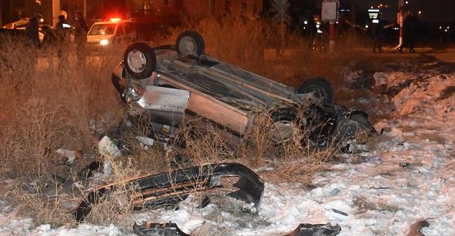 Tren otomobile çarptı, kaza ucuz atlatıldı