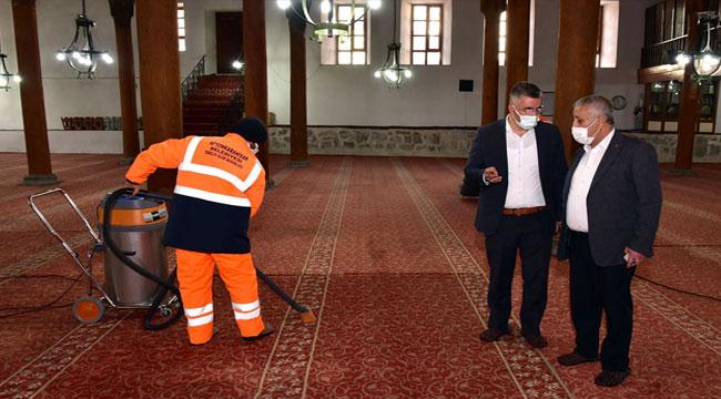 Afyon'da camiler Ramazan ayına hazırlanıyor