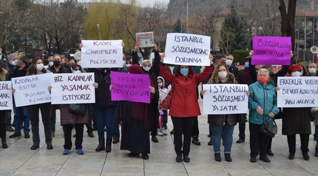 Afyon'da CHP'li kadınlardan İstanbul Sözleşmesi'nin feshedilmesine tepki