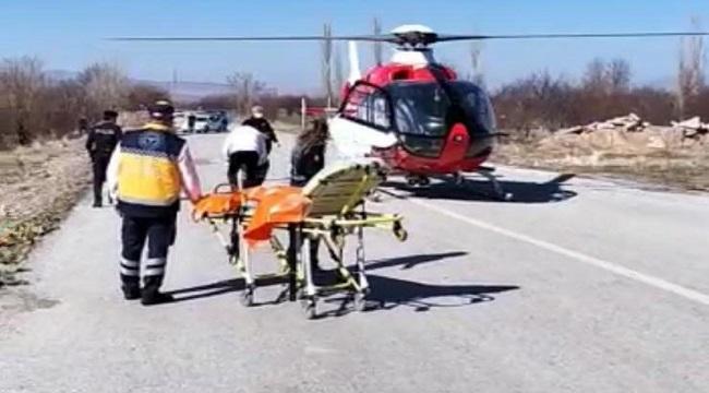 Afyon'da hava ambulans, parmakları kangren olan yaşlı adam için havalandı