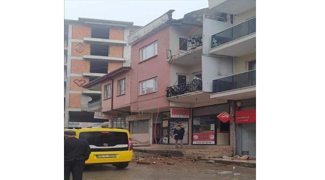 Balkondan düşen inşaat işçisi hayatını kaybetti