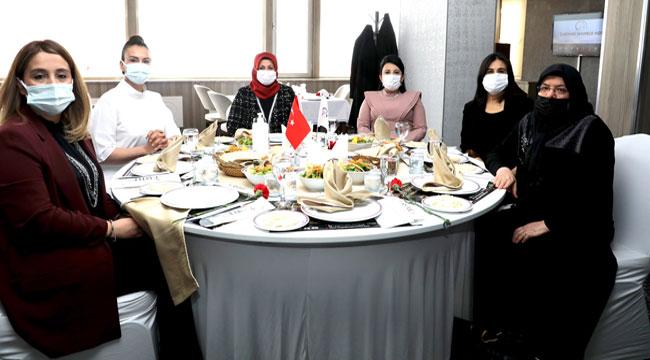 Afyon Kent Konseyi Kadınlar Günü'nde şehitlerimizi unutmadı