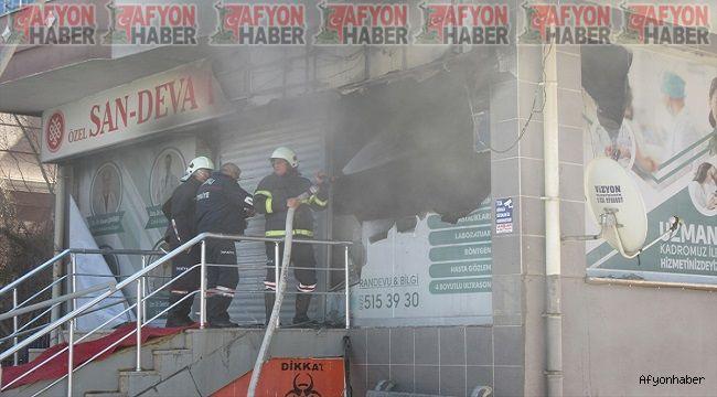 Afyon haber son dakika!.. Sandıklı'da özel bir hastanede yangın çıktı!..