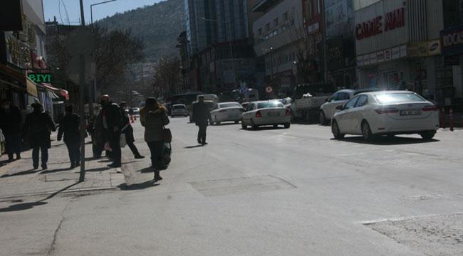 Afyonkarahisarlılar kısıtlamanın hafifletilmesi ile kendilerini sokağa attı