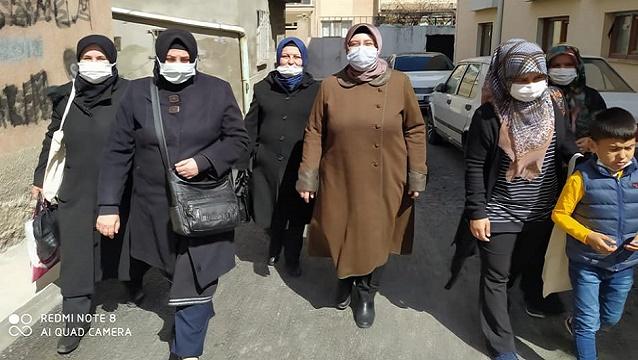 AK Parti'den yaşlılara nezaket ziyaretleri