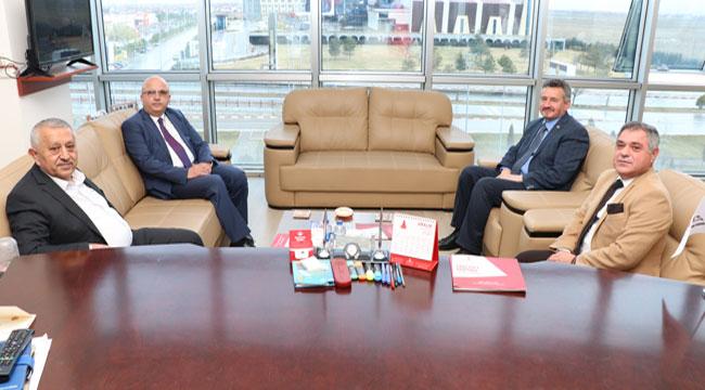 Başkan Zeybek, Afyon Eğitim Vakfı'nı ziyaret etti