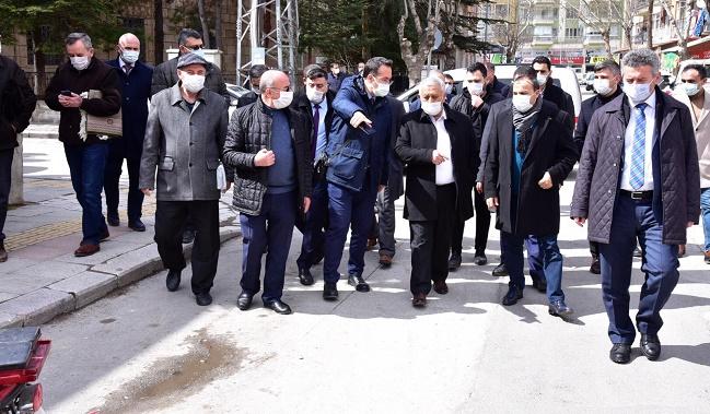 Başkan Zeybek, Dervişpaşa'da: Talepleri dinledik, sorunları yerinde gördük
