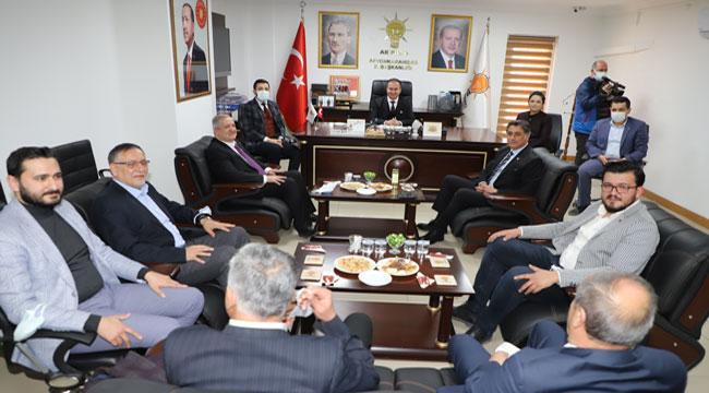 CHP'den AK Parti'ye hayırlı olsun ziyareti
