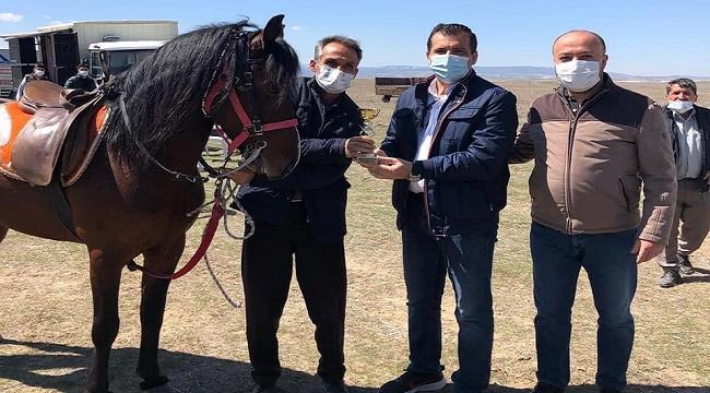 Dazkırı Bozan Köyünde, Rahvan At Yarışları yapıldı