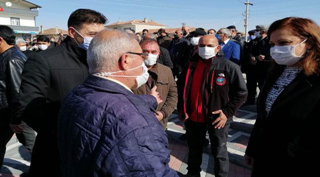 Milletvekili Köksal, Kılıçdaroğlu ile birlikte Aksaray'da esnafın sıkıntılarını dinledi