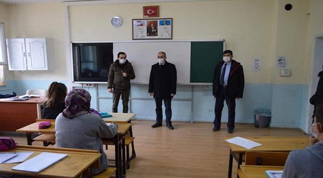 Şuhut'ta okullarda koronavirüs denetimi yapıldı
