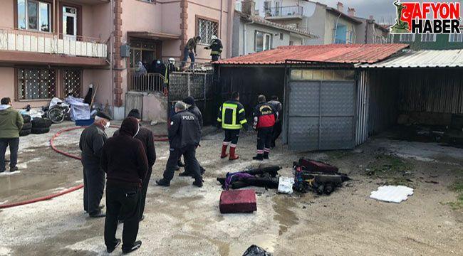 Afyon'da garajda yangın çıktı