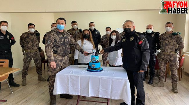 Afyon'da polislere pasta sürprizi
