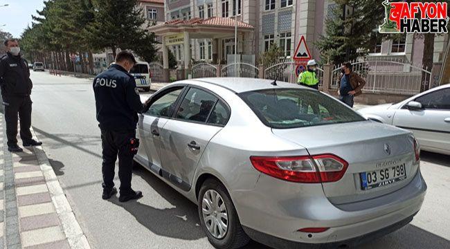 Afyon'da sokağa çıkma kısıtlamasında polisten sıkı denetim
