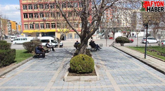 Afyon'da vatandaşlar daha sert tedbirler alınmasını istiyor