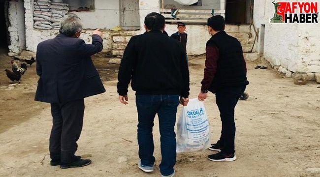 AK Parti'den İhsaniye'de ihtiyaç sahibi ailelere yardım eli