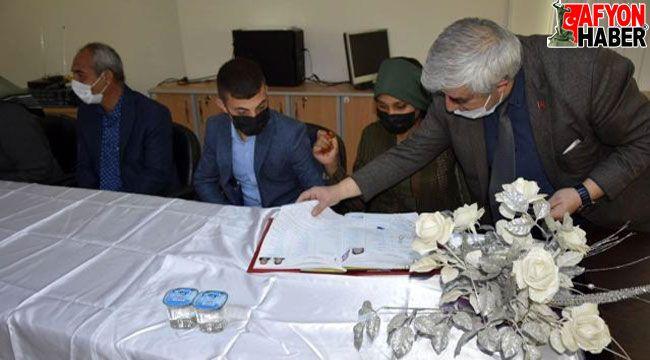 Çay'da toplu nikah töreni düzenlendi