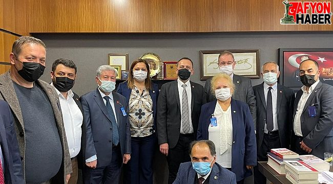 CHP Dinar Heyeti, Ankara'da CHP grup toplantısına katıldı