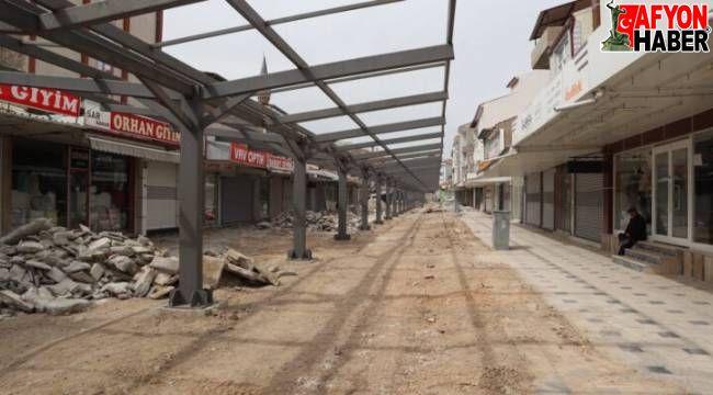 Emirdağ'da kapalı uzun çarşı inşaatı devam ediyor