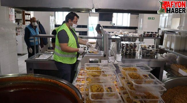 İftarda sıcak yemekler Emirdağ Belediyesi'nden
