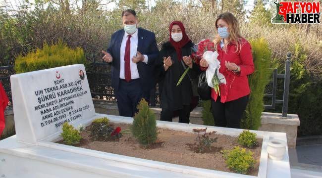 İYİ Parti Heyeti, Hava Şehitliğini ziyaret etti