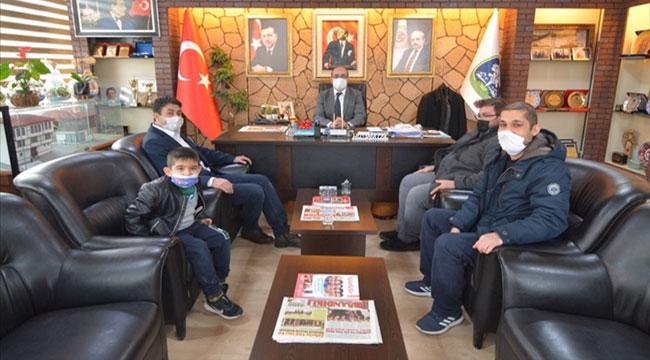 Otizmli öğrencilerden Mustafa Çöl'e ziyaret