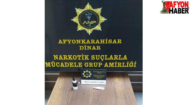 Afyon'da üstlerinde uyuşturucu çıkan 2 şahıs gözaltına alındı