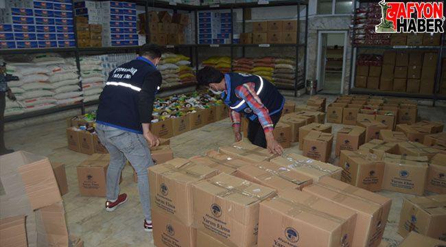Afyon Yarım Elma Derneği'nden ihtiyaç sahibi 2 bin aileye ramazan yardımı