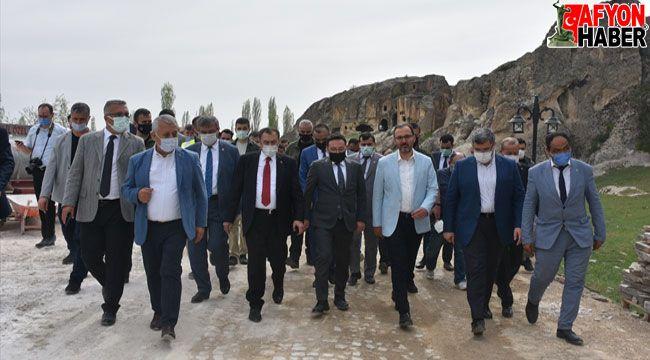 Bakan Kasapoğlu, Afyon İl Değerlendirme Toplantısına katıldı
