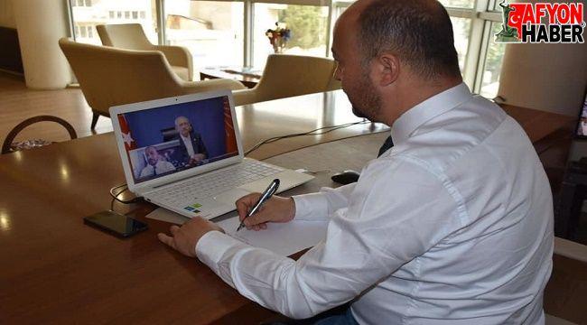 Başkan Taylan, Kılıçdaroğlu'na belediye faaliyetleri hakkında bilgi verdi