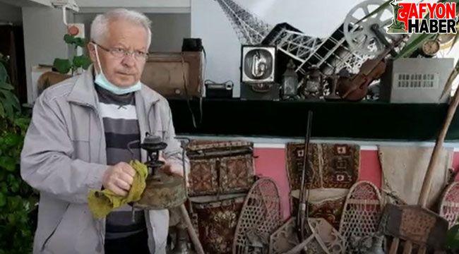En büyük hayalini gerçekleştirip küçük bir sosyal yaşam müzesi kurdu