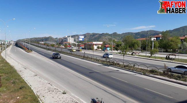 Kavşak noktadaki Afyon'da bayram öncesi karayolları boş kaldı