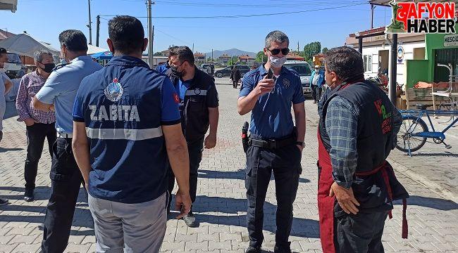 Zabıta ile esnaf arasındaki gerginliği polis memurları sona erdirdi