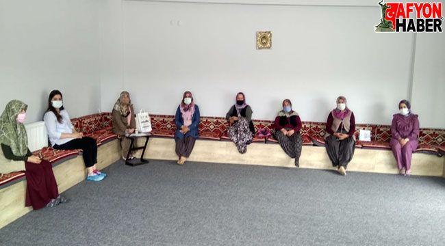 """Afyon'da """"Ailede Şükür ve Kanaat"""" konulu seminer yapıldı"""