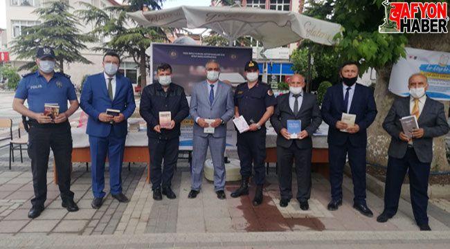 """Bolvadin'de """"Bir Kitap Bin Umut"""" kitap bağış kampanyası başlatıldı"""