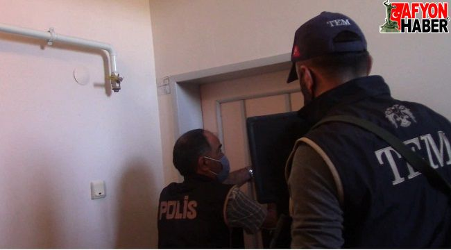 """Terör örgütü üyelerine """"Hawala"""" yöntemi ile para aktaran 2 şahıs yakalandı"""