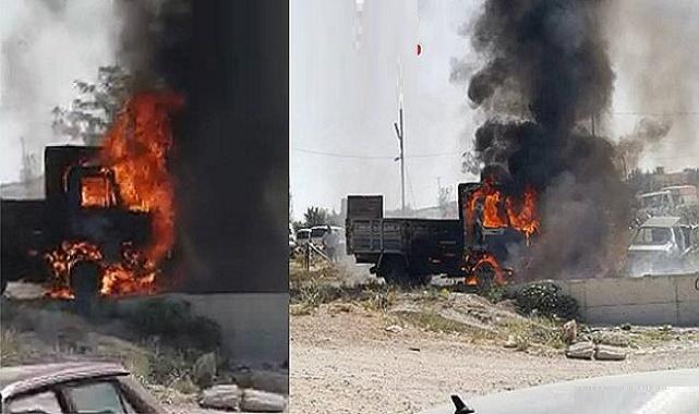 Dinar'da kamyonet kül oldu