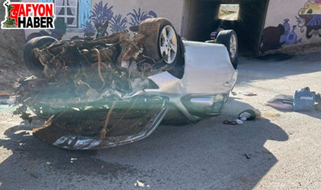 Afyon'da otomobil takla attı, 2 kişi ağır yaralandı