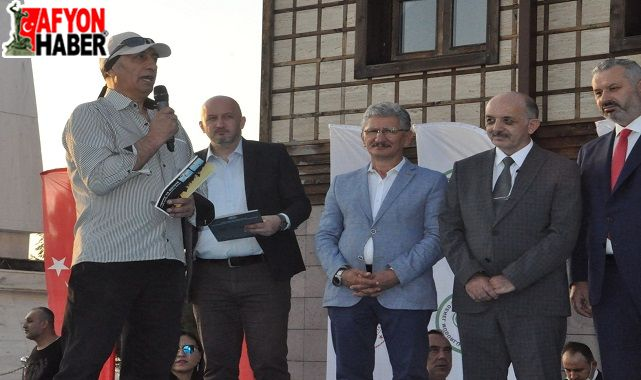 Arif Yağcı: Afyonkarahisar'a İstiklal Şeref Madalyası verilmeli