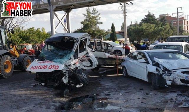 Dinar'daki feci kaza güvenlik kamerasında