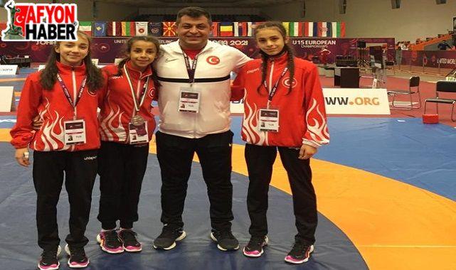 Afyonlu güreşçiler, Türkiye'yi temsil edecek!..