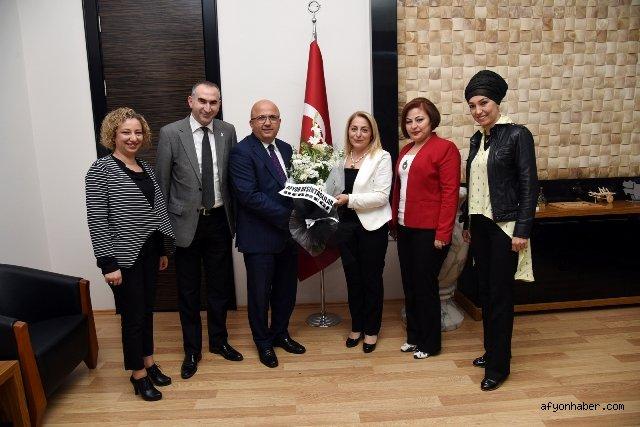 """""""AFYONLU KARTALİÇELER""""DEN BAŞKAN ÇOBAN'A ZİYARET"""