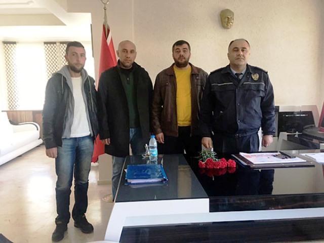 ÜLKÜCÜ GENÇLER TÜRK POLİSİ'NİN YANINDA