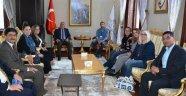 SOSYAL MEDYA FENOMENLERİ VALİ YILDIRIM'I ZİYARET ETTİ